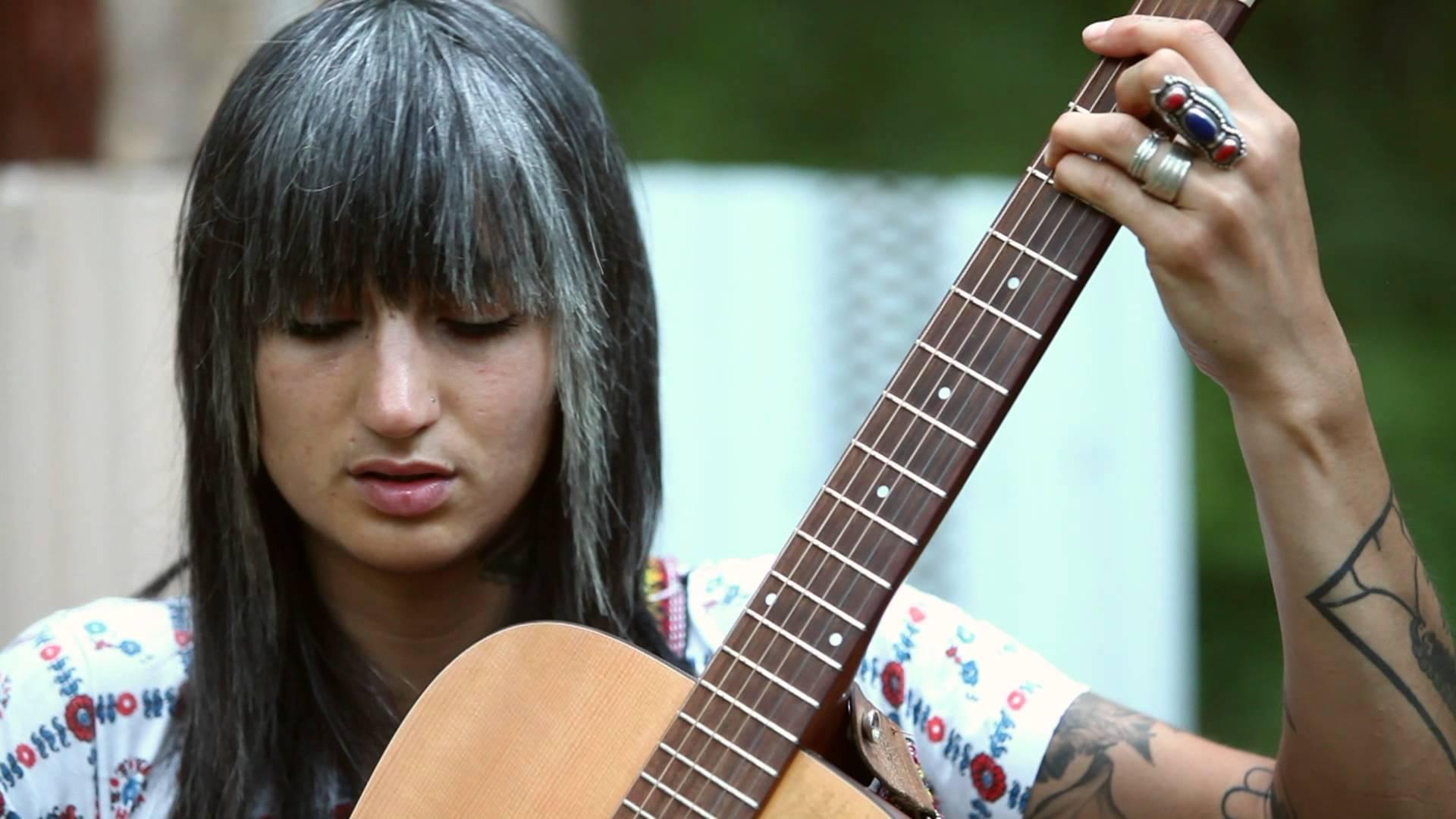 Luz Elena Mendoza (of Y La Bamba)